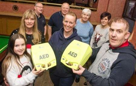 Defibrillators, Cardiac Arrest, Lynda Murray, Keri Fickling, Pub in the Square, Friends of the Fishermen's Hall, FOFH, The Sandpiper Trust
